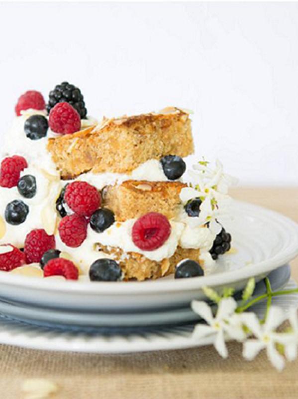 Delicious Almond & Honey Cake