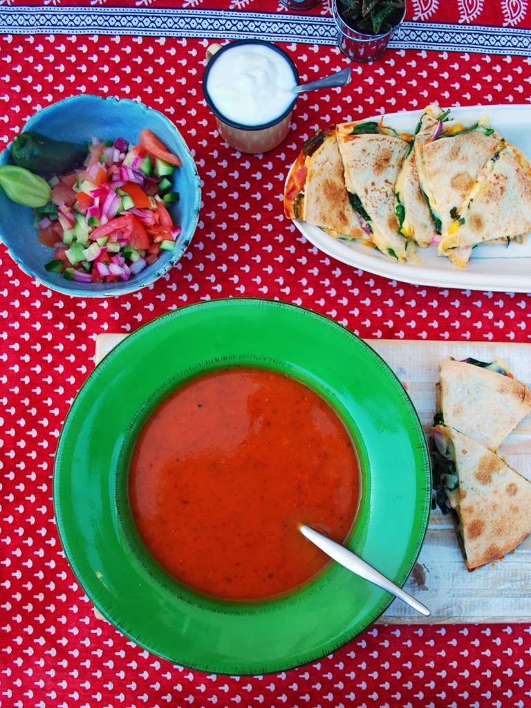 mexican-soup-with-quesadilla-dippers-tomato-salsa-and-sour-cream
