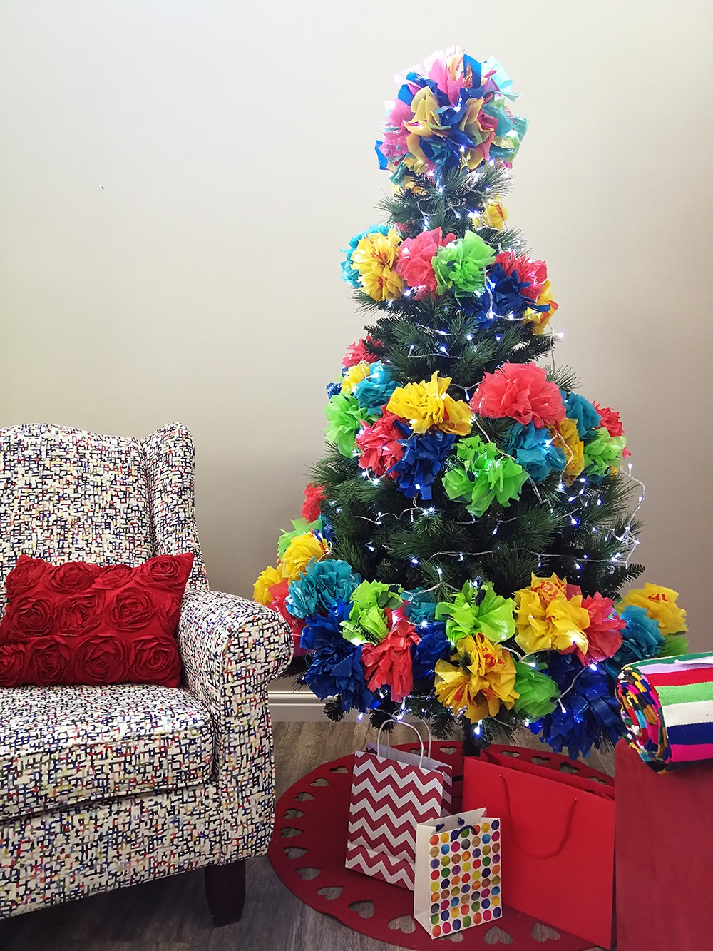 An Alternative Christmas Tree With Recycled Plastic Pom Poms Homeology